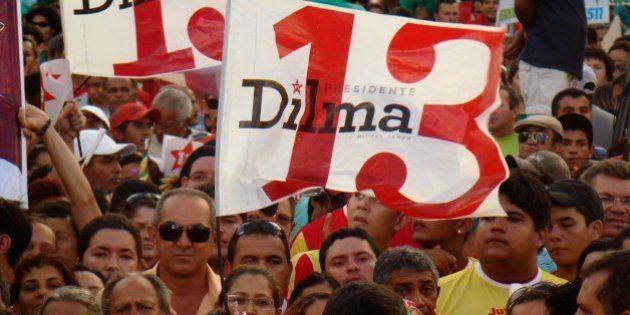 28/07/2010. Natal - RN. Caminhada com Dilma no Alecrim e Ato político na Praça Gentil Ferreira. Foto:...