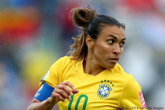 Após ultrapassar Pelé, Marta chega a 100 gols pela seleção em 6 a 0 sobre