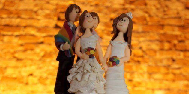 Novas regras de reprodução assistida beneficiam casais homoafetivos e mulheres acima de 50