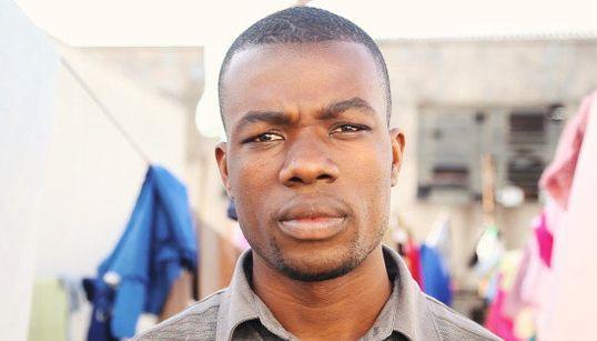 Um ano após ser baleado, haitiano quer ir embora: 'Tenho medo de morrer no
