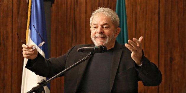 Em carta aberta, Lula diz que intimidade dele e da família foi violentada e que direitos fundamentais...