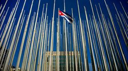 Estados Unidos e Cuba reabrem embaixadas após décadas de