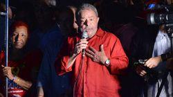 Com Paulista lotada, Lula diz que voltaria ao governo com 'paz e