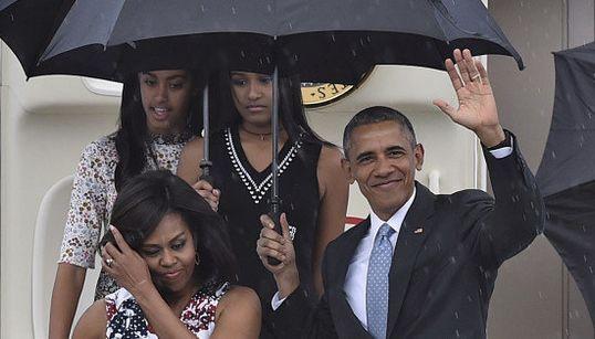 FOTOS: Obama desembarca em Cuba para visita histórica após nove