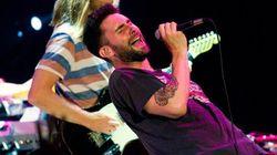 ASSISTA: Em show no Rio, Adam Levine canta Garota de