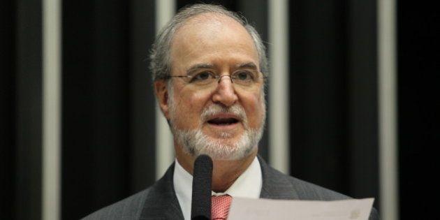 Juíza lista mentiras de Eduardo Azeredo em sentença do mensalão
