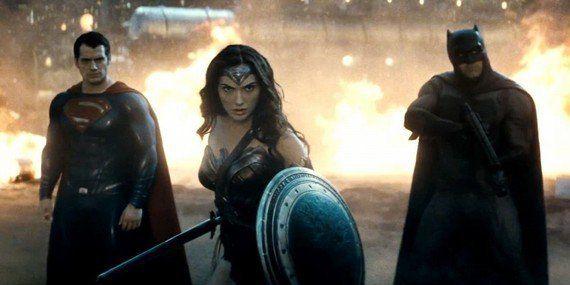 Para quem esperava pouco, 'Batman vs Superman' é um filme