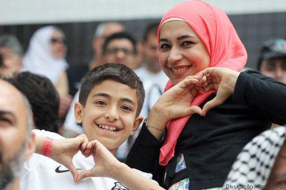 Santos faz golaço e leva refugiados sírios para assistirem vitória no Brasileirão