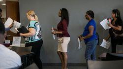Desemprego fica em 8,6% em três meses e bate a máxima