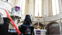 Igreja alemã realiza missa para celebrar lançamento de Star
