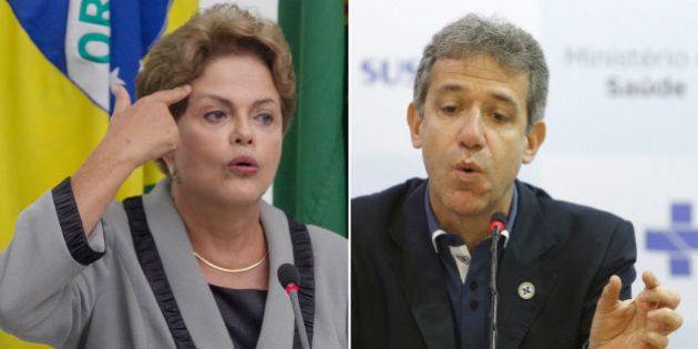 Com frieza, Dilma demite ministro da Saúde por