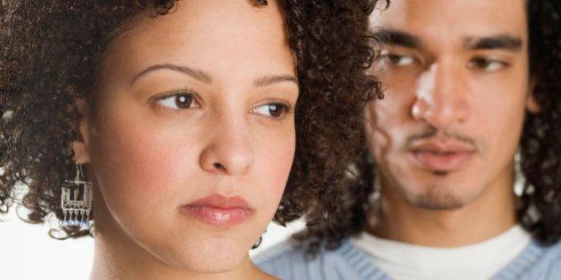 Um em cada cinco casais sofre com relacionamentos 'desgastantes', aponta