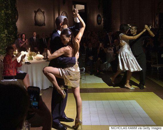 Barack Obama dá show ao dançar tango em jantar na visita a Buenos Aires