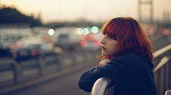 Aumentam os suicídios entre mulheres. O que podemos fazer para prevenir essas