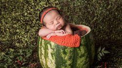 A foto da bebê de Jiang em uma melancia vai te encher de