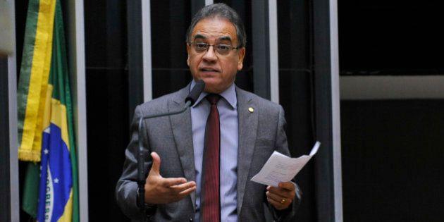 Mais uma vez, aliado de Cunha vai atrasar cassação do presidente da Câmara