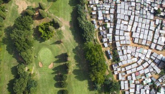 10 fotos aéreas que exemplificam a disparidade entre ricos e