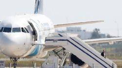 Homem sequestra avião no Egito para ver ex-mulher em