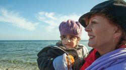 Susan Sarandon recebe refugiados na Grécia: 'Vim para ouvir as histórias e