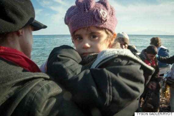 Susan Sarandon dá boas-vindas aos refugiados que chegam à