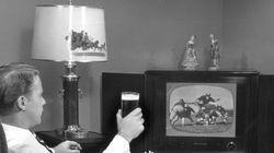 IBGE: Brasileiro prefere TV a exercícios, é hipertenso e bebe toda