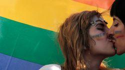 Parlamento grego aprova lei que permite união civil de pessoas do mesmo sexo