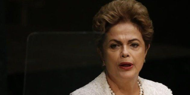 Dilma vai cortar salário dos ministros em 10% e 3.000 cargos em