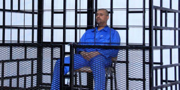 Tribunal líbio condena à morte filho de Kadhafi e oito