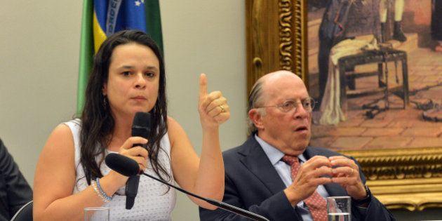 Janaína Paschoal: 'Quem criou a crise foram eles. Este é o golpe: terem armado um