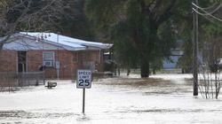 Tornados e enchentes deixam 26 mortos no sul dos Estados