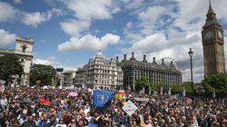 'Estamos com a UE': Contra Brexit, milhares fazem 'marcha para a Europa' em