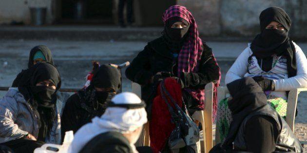 Em mais um ato de violência, Estado Islâmico edita 'leis para uso de escravas