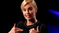 Segundo Charlize Theron, beleza em Hollywood não garante bons