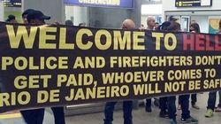 'Bem-vindos ao inferno'. Esta é a recepção dos policiais no aeroporto do