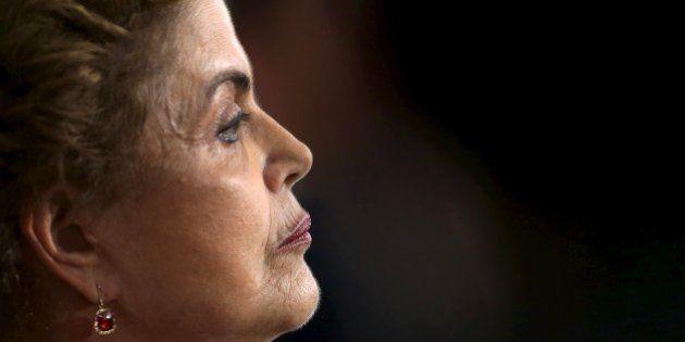 Dilma é emparedada: Relator apresenta parecer favorável ao