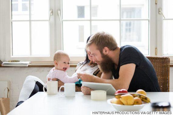 Balbuciar e brincar podem ajudar a garantir a saúde mental dos
