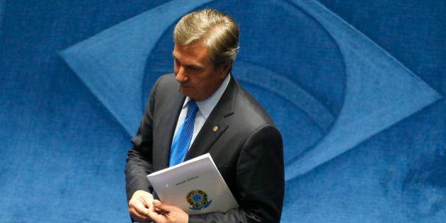 Lava Jato: Collor teria recebido R$ 300 mil de Alberto Youssef, segundo