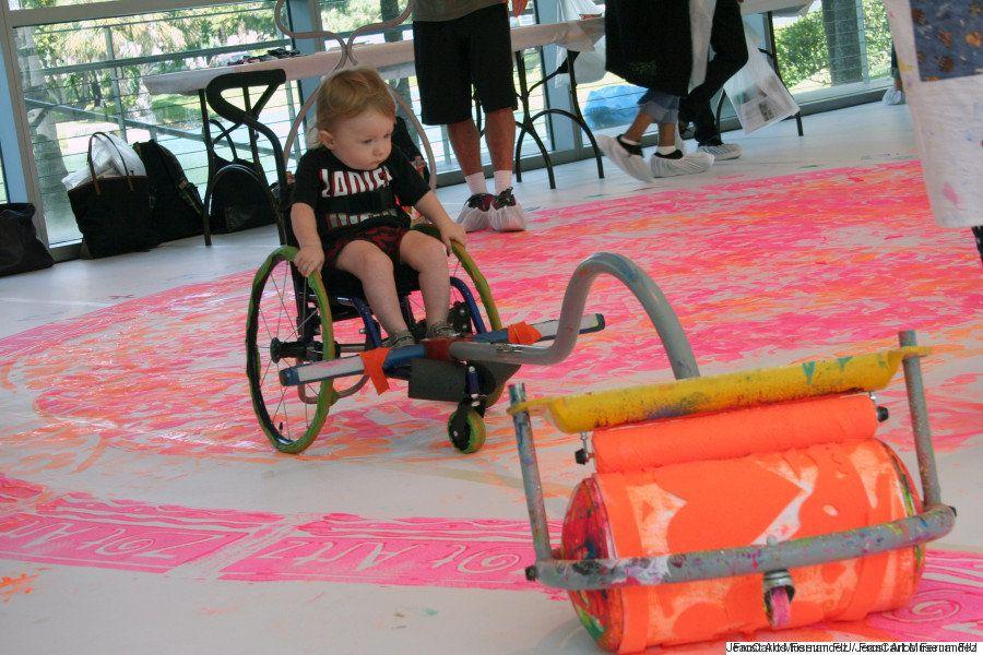 Dwayne Szot, o artista que criou peças para crianças com deficiência pintarem e