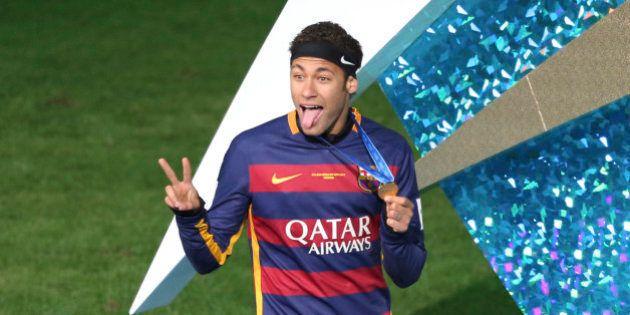 Neymar é vítima de racismo no jogo do Barcelona com o