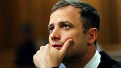 Pistorius é condenado a 6 anos de prisão por assassinato de