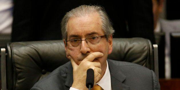 Alvo de pedido de cassação, Eduardo Cunha usou banco utilizado para propinas de diretores da