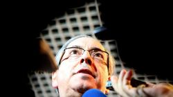 Governo e oposição seguem nas mãos dele, Eduardo Cunha, por mais uma