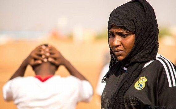 Selma Al Majidi, a primeira mulher a se tornar técnica de um time masculino de futebol em um país
