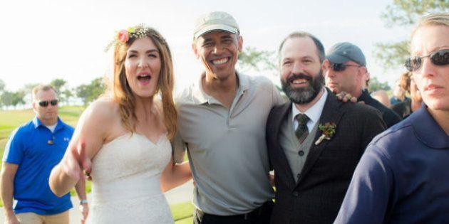 Essas fotos são a prova de que o presidente Obama invadiu um casamento. E foi muito
