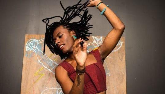 Liniker sobre racismo e empoderamento: 'Quero que o palco seja voz das questões