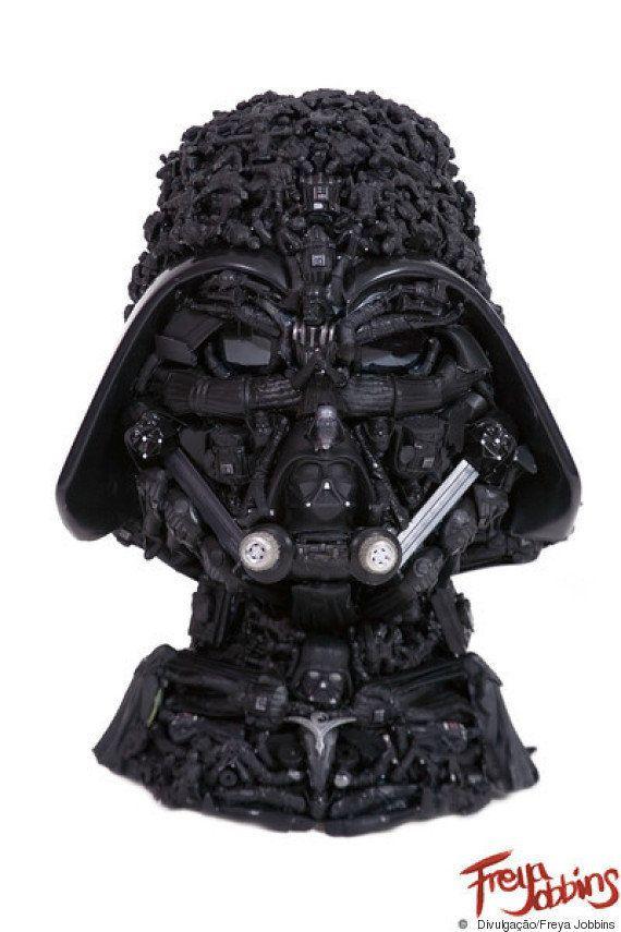Estas esculturas com partes de bonecas descartadas são a coisa mais bizarra que você vai ver