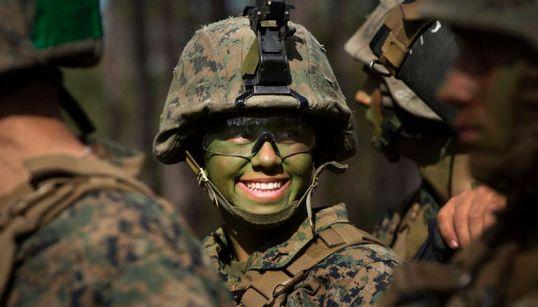 33 fotos poderosas de mulheres nas Forças