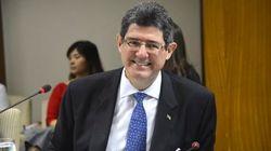Rejeitado por Dilma, ex-ministro da Fazenda é agora nº2 do Banco