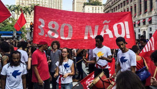 R$ 3,80 NÃO! Ato contra aumento de passagem tem tumulto em São