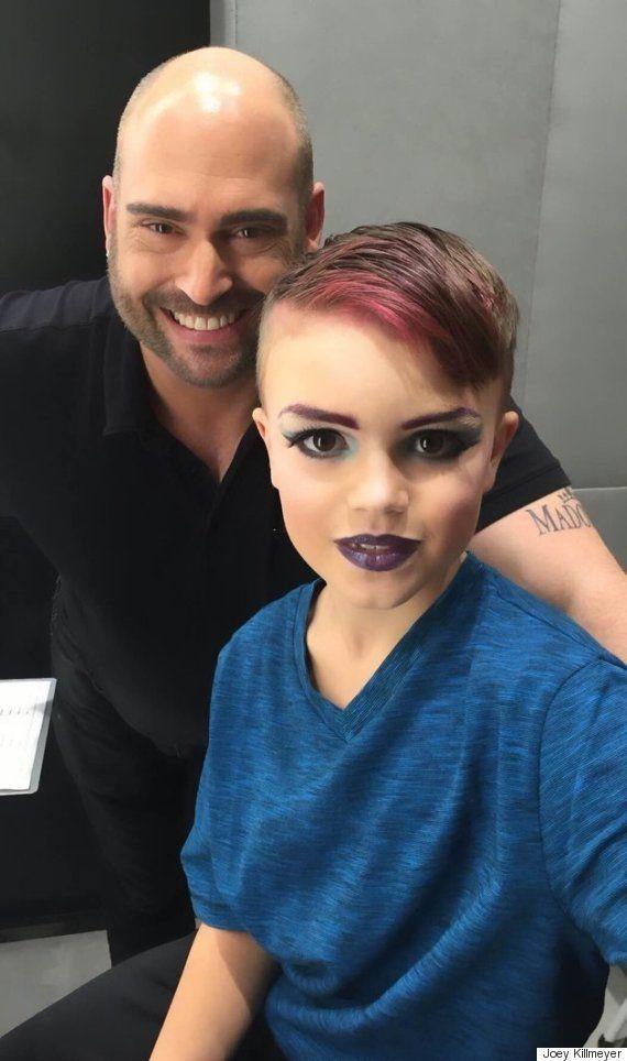 Menino de 8 anos realiza sonho de aprender a se maquiar como uma drag